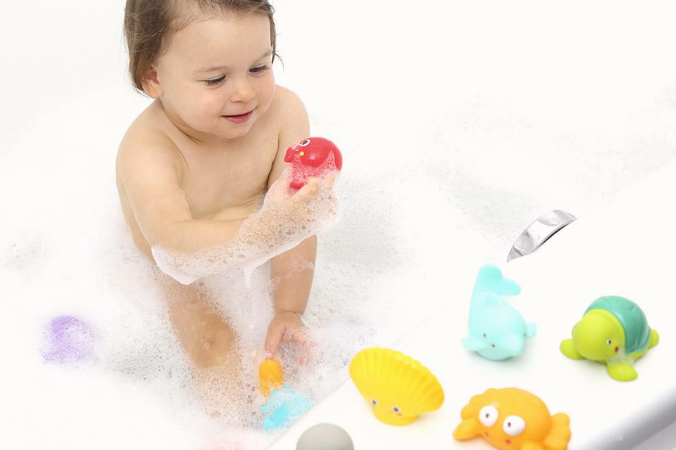 choisir jouet bain bebe